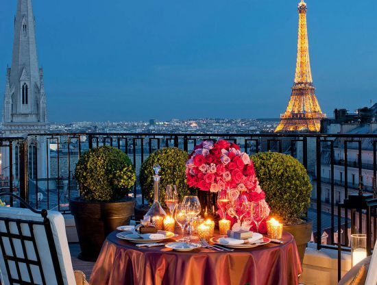 Four Seasons Hotel George V Paris02.jpg